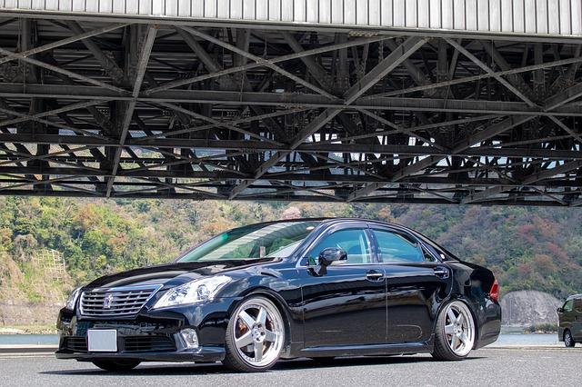 finanziamento auto senza busta paga macchina nera