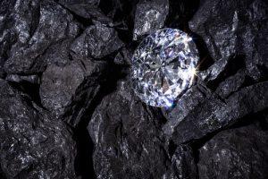 diamanti caratteristiche incastonato
