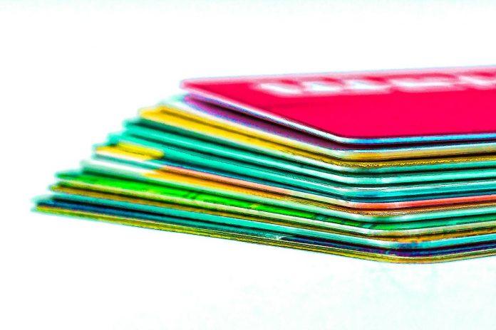 carta prepagata usa e getta anonima colorata