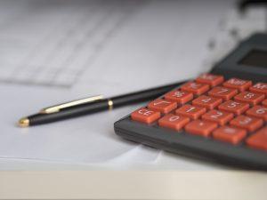 investire in oro con le azioni calcolatrice