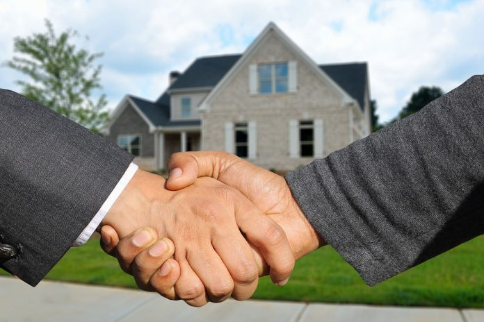 comprare casa a rate senza mutuo stretta di mano
